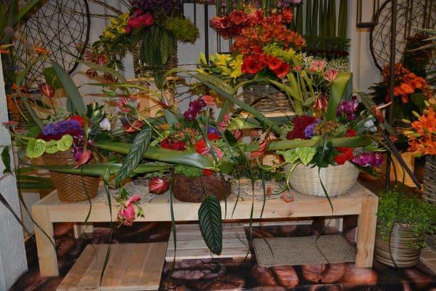 Arranjos florais em exposição na Expoflora
